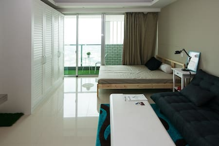 Studio apartment at BIG mall, Intercon kemang vill - Kebayoran Baru - Daire