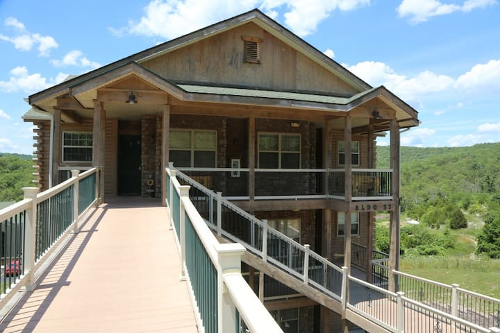 Branson Vacation Rental | Eagles Nest | Indian Point | Silver Dollar City | Walkin (331606) - Branson - Apartment