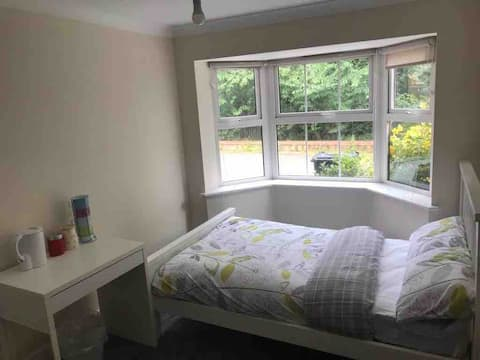 Lovely En-suite Double Room