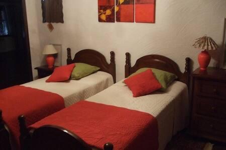 Charmante chambre à la campagne - Monclar-de-Quercy
