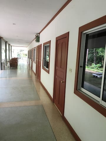 Tippilas Valley Longstay - Nai Mueang - Apartament