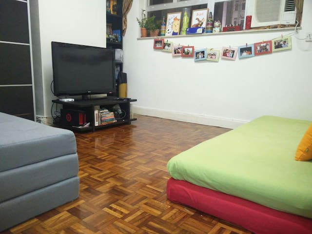 The 2nd bedroom has a more relaxed setting with 2 mattresses and a sofa cum bed