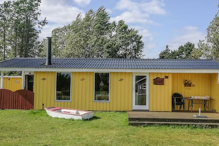 Holiday cottage with 2 bedrooms on 60m² in Hadsund