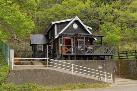 Lakeside Log House in Izu