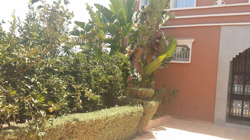 Grand Riad meublé avec piscine - Agadir Al Massira - House