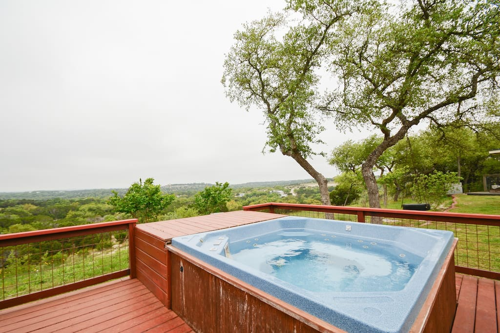End your day with your favorite cold drink and some country-style stargazing while relaxing in the hot tub!