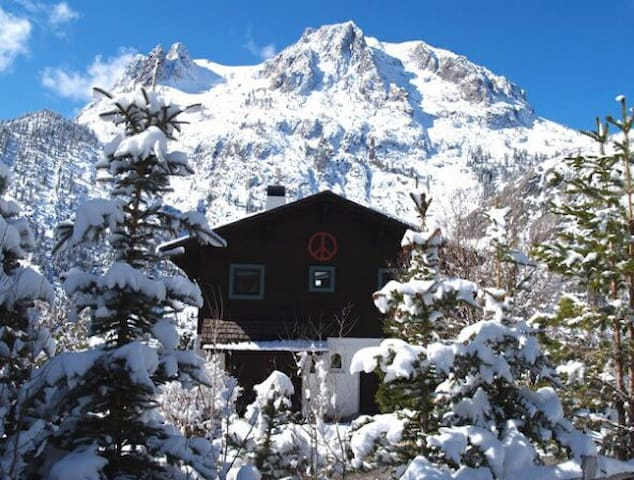 Magical Mountain View Chalet (monthly rental only)