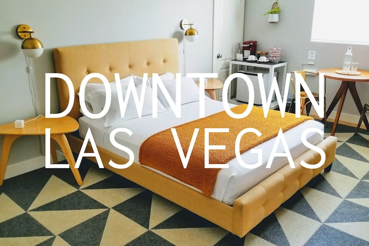 A Stylish & Sunny DTWN Vegas Suite + Private Entry