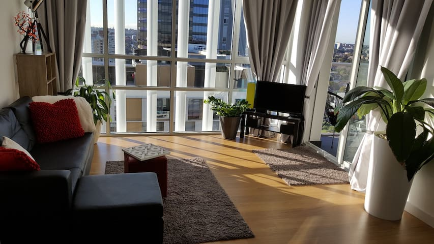 **NEW STUNNING APT! Close to EVERYTHING + CAR SPOT - Zetland - Appartement