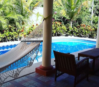 Villa Aventura - One Minute to the Surf Beach!
