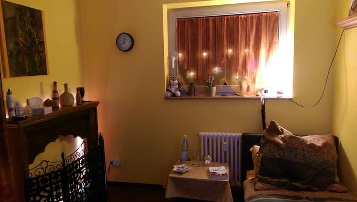 cosy, clean  little private  room near MDC