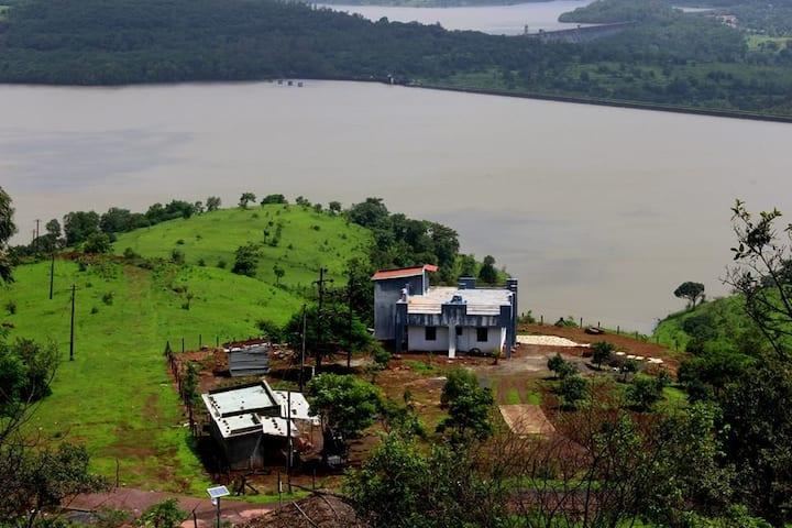 Luxurious 4BHK estate overlooking Panshet Dam