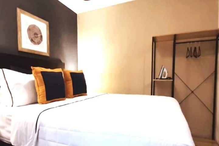 C2.  Suite  102- Distrito 10, Zona 10 Gt