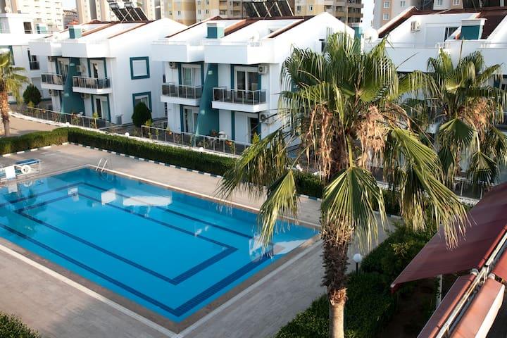 Antalya Havuzlu site içerisinde 2+1 Kiralık Daire - Aksu - Apartamento