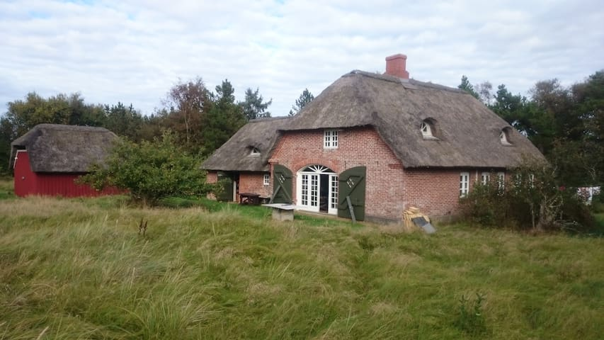 Old style re-conditioned house at the west coast - Nørre Nebel - Rumah