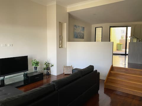 3 Bedroom Townhouse in Sunny Townsville.