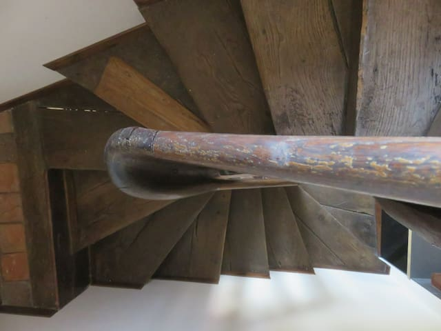 Limousin twisted oak staircase.