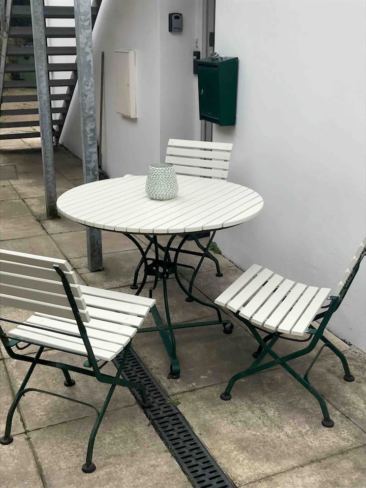Central Bude 2 bed ground floor minutes to beach