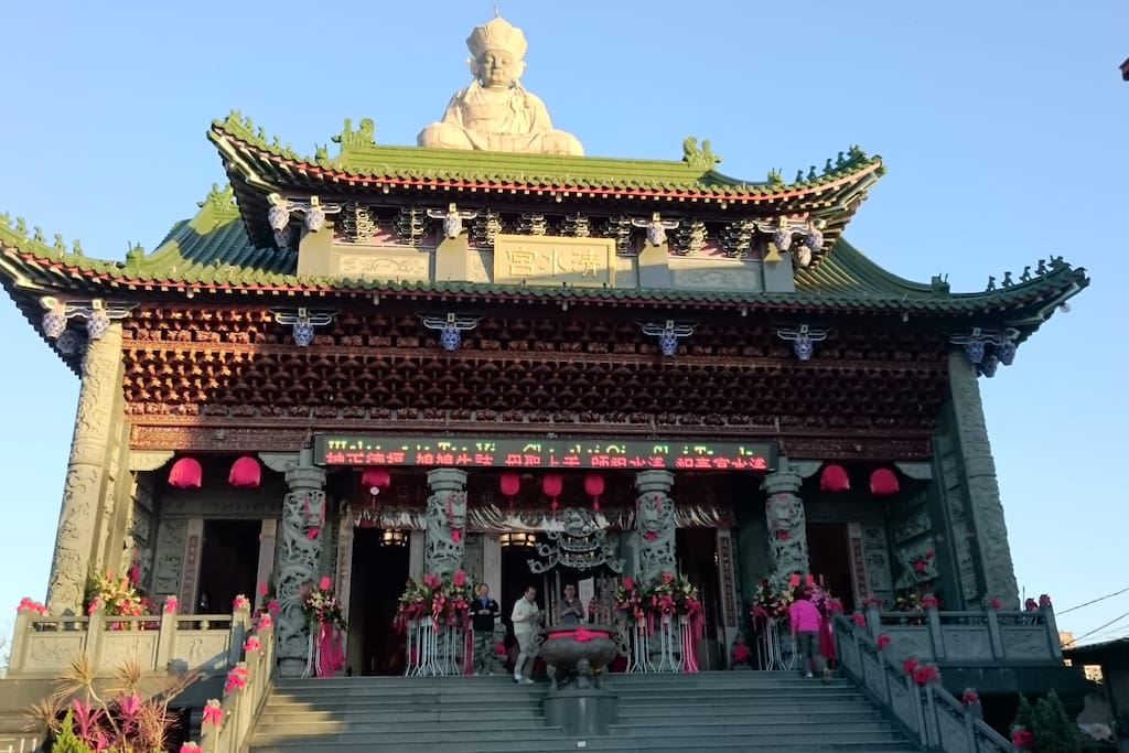 Temple Architecture in Zuoying. 左營寺廟建築學