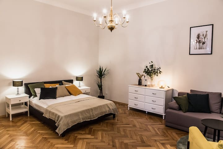 19 Gertrudy Street/ Wawel Castle
