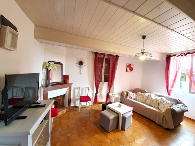 House with 4 bedrooms in Bars, with wonderful mountain view, enclosed garden and WiFi