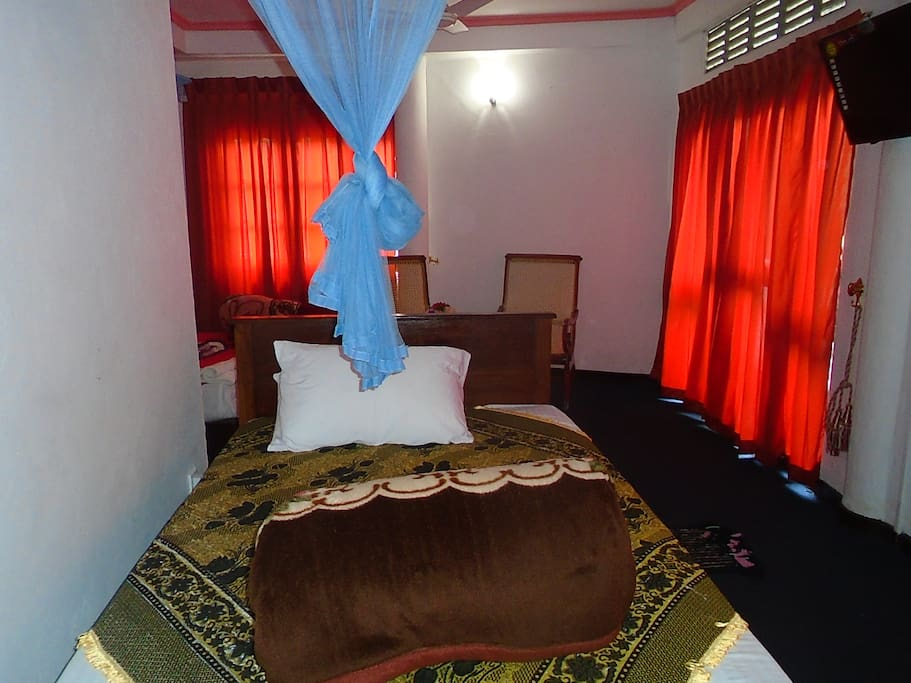 Asvika hotel resturant chambres d 39 h tes louer for Chambre hote 95