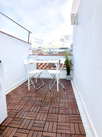 Penthouse with terrace next to Camp nou