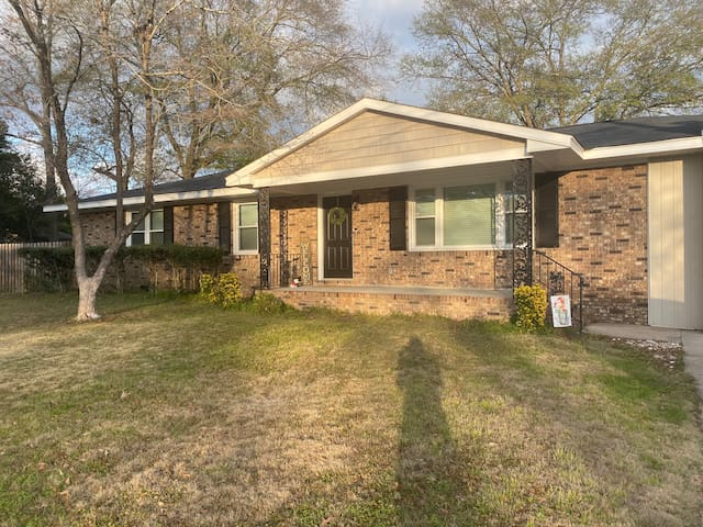 Cozy Masters Rental 4 miles from Augusta National