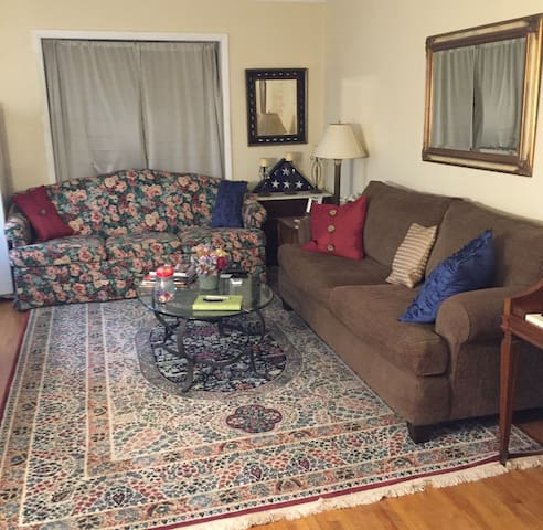 Huge Private Living w/ Q Bed&Bath Upstairs
