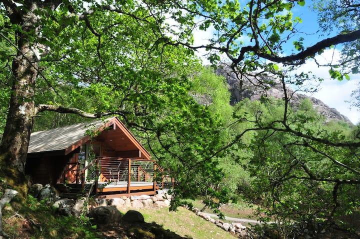 Cabin Mossy, Tigh Brachen Bothies Diabaig Torridon