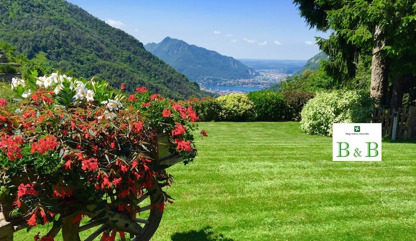 B&B with pool and view Lake Como