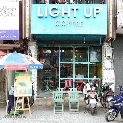 Light Up Homestay and Restaurant - Ho Chi Minh City - House
