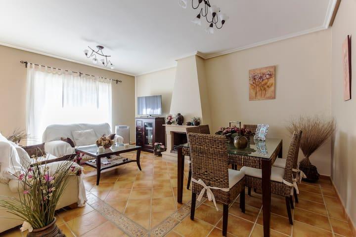 Living room // Salón (1)