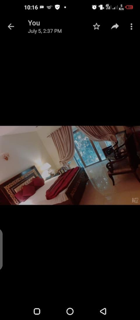 Gulberg3 1- Bedroom apartment with  chakoozi w a/c