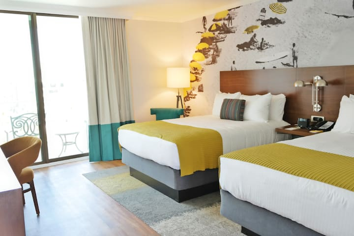Town and Country Hotel, King Room - Accessible