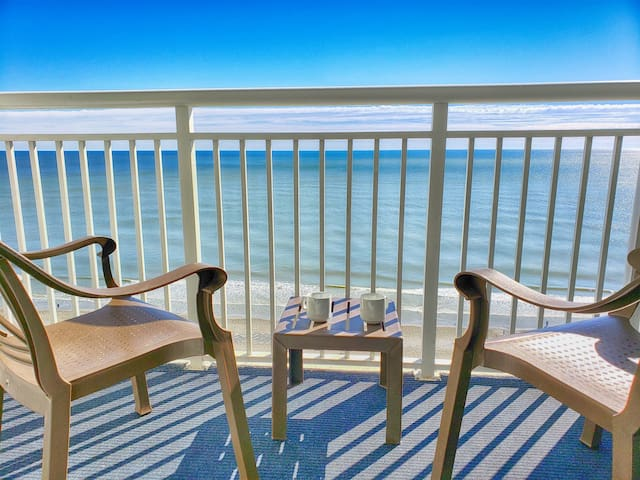 ❤️ Stunning Views from this relaxing, luxurious suite!