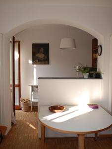 Charming flat with a secret garden. - Monza - Huoneisto