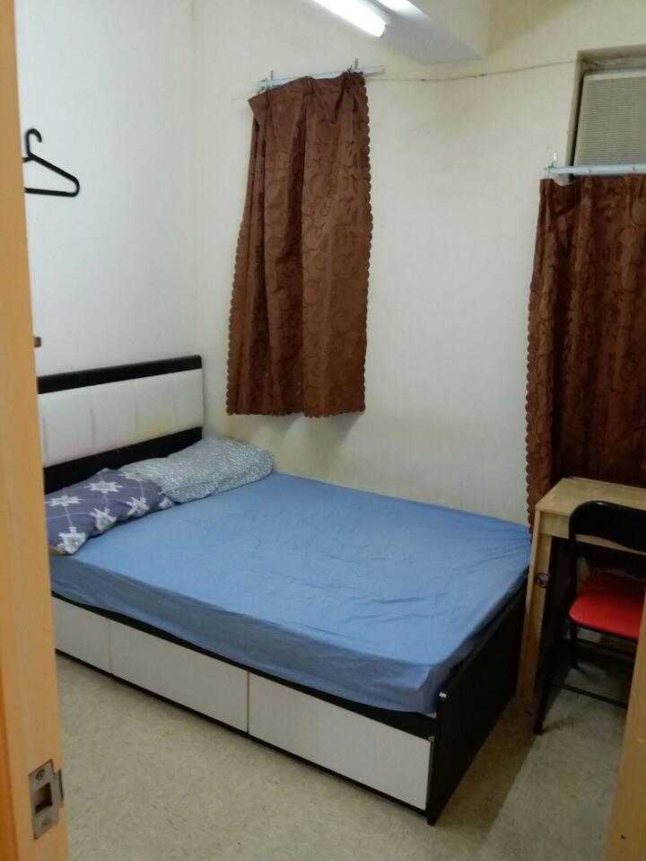 Central Flat Share Room near Lan Kwai Fong (15b)