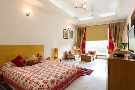 Aks Casa-Private Bungalow Twin Suites near Airport - Gurgaon - Bungalow