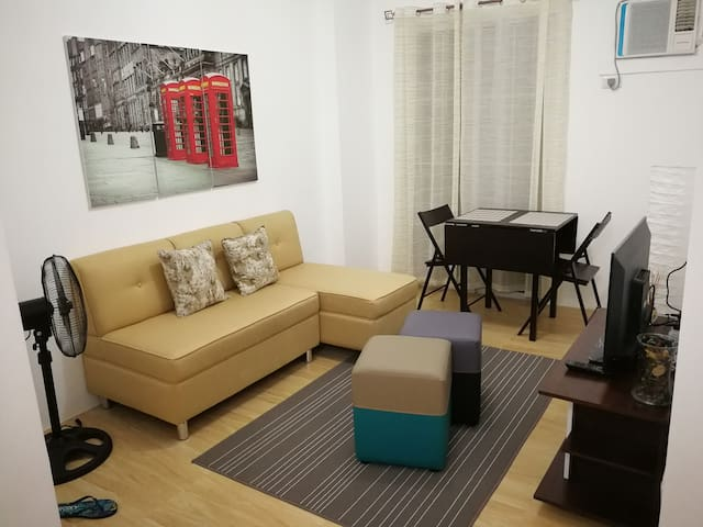 Cozy One Bedroom Condominium Unit for Rent - Cebú - Apto. en complejo residencial