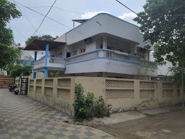 Home for Paying guest in Surat