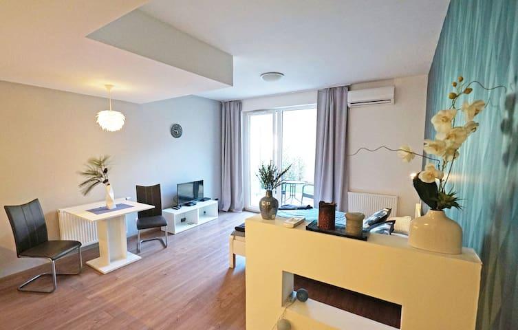 Corvin4 bright apartmnet with cozy terrace