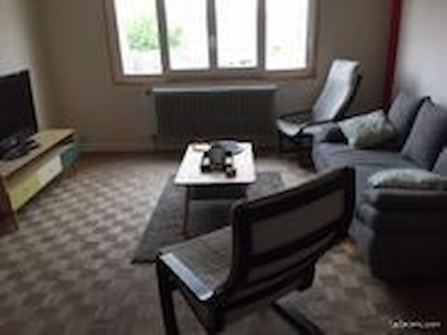 appartement plein centre bourg village
