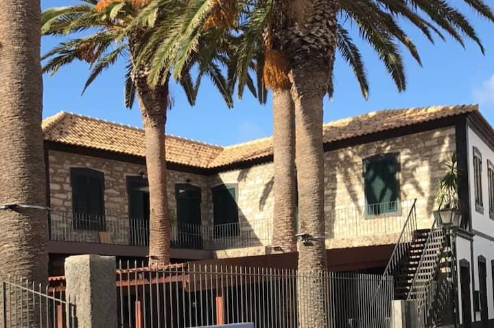 Casa Ferreira - T1 no centro do Porto Santo