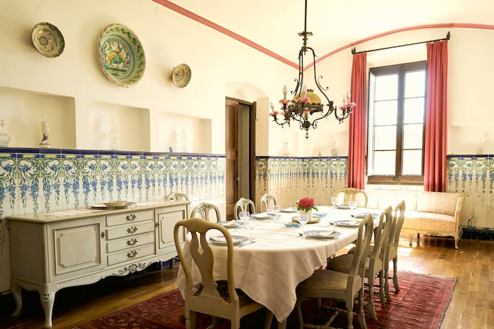 Enjoy long dinners in the dining room