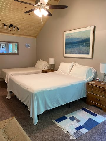 BR#2 Main floor queen + twin bedroom photo 1 of 2