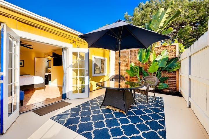 15% OFF THRU APR - Private Studio w/ Large Patio, One Block from the Beach!