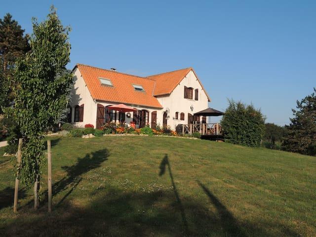 Villa Orangère, votre chambre d'hôtes - Bonneuil-Matours - Guesthouse