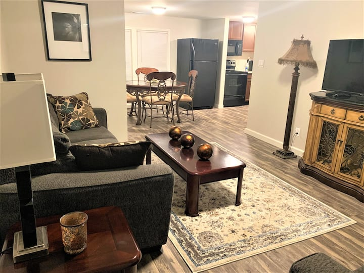 The Hideaway - Executive/Vacation Rental Home