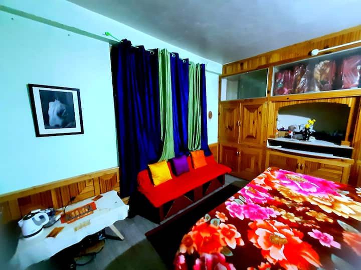 Cosy room in Hampta (Sethan) Valley at 8500 feet.